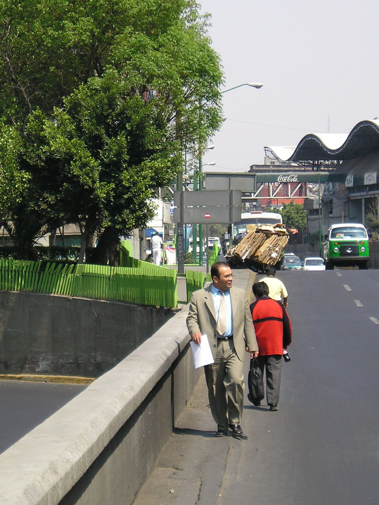 Fig. 29.5 Pedestrian conditions connecting Mexico City's metro system to nearby municipal offices are not pedestrian-friendly.