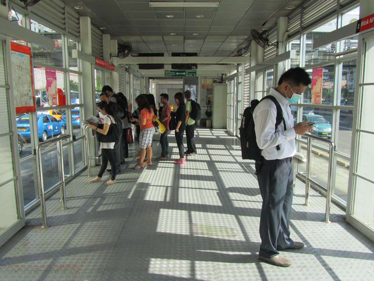Fig. 29.3 Third component of pedestrian access to a BRT system: circulation inside the station itself (Jakarta, Indonesia).